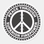 Paz con potencia de fuego superior pegatinas redondas
