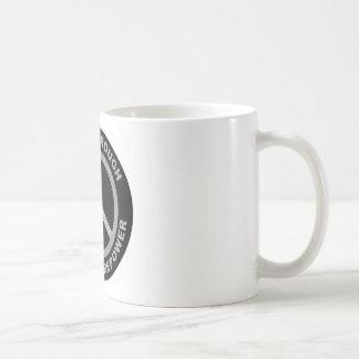 Paz con potencia de fuego superior taza de café