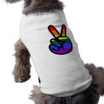 Paz de la bandera del arco iris playera sin mangas para perro