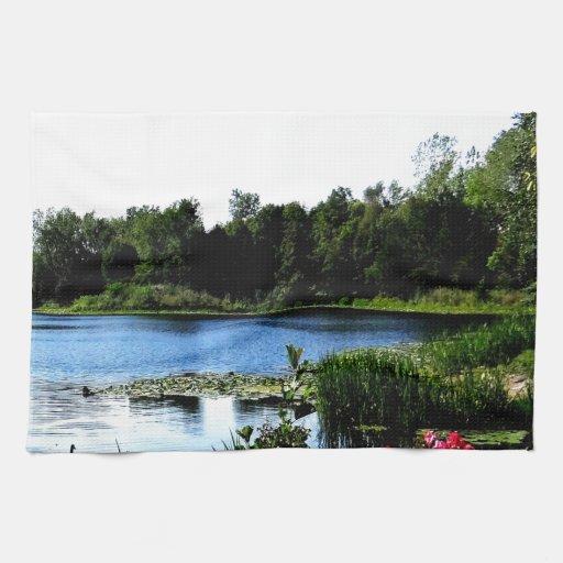 Paz de la belleza del agua del lago toalla de cocina