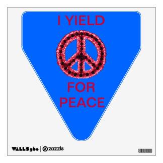 Paz dentada roja rindo la etiqueta de la pared