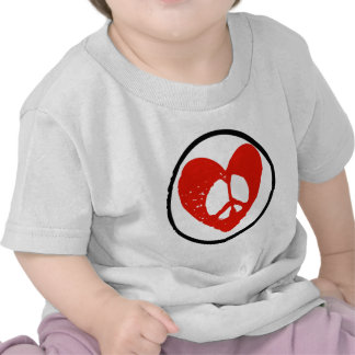 Paz en corazón camiseta