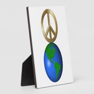 Paz en rompecabezas de la palabra del estilo del placas de madera