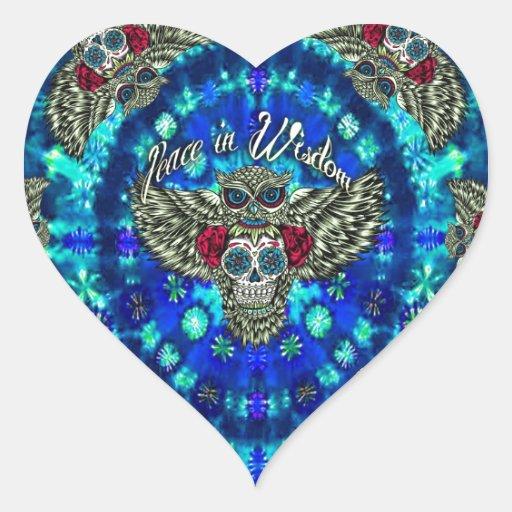 Paz en teñido anudado de la sabiduría con el búho colcomanias de corazon