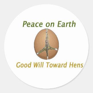Paz en voluntad de la tierra hacia gallinas pegatina redonda