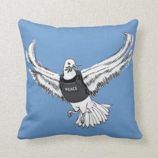 Paz Pidgeon Cojín