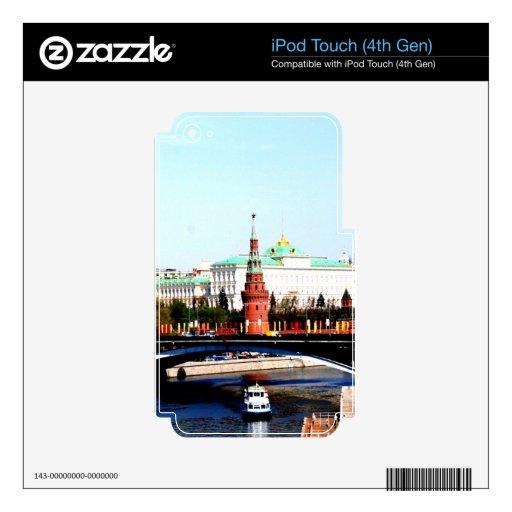 paz y calma del río de Moscú iPod Touch 4G Skin