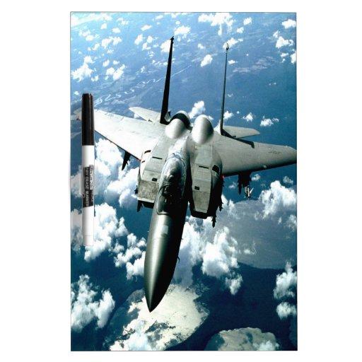 paz y guardia del avión de combate pizarra