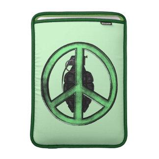 Paz y guerra (verde/gris del metal de arma) fundas macbook air