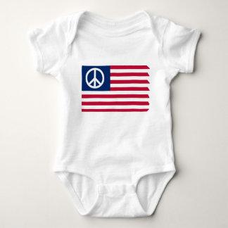 Paz y la bandera - enredadera infantil camisas