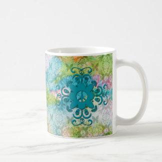 Paz y modelo de mariposas taza básica blanca