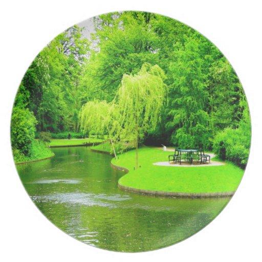 Paz y parque tranquilo de Copenhague Dinamarca Plato Para Fiesta