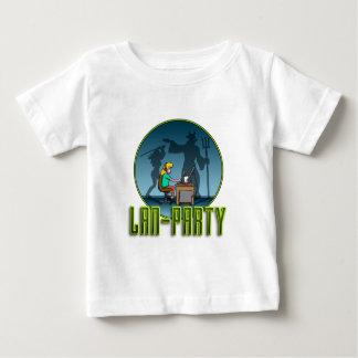 PC Gamer girl LAN PARTY T-shirts