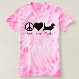 Peace Love Basset Hound 1 T-shirt