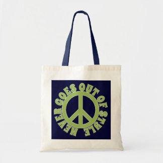 PEACE SIGN PEACE NEVER GOES OUT OF STYLE TOTE BAG
