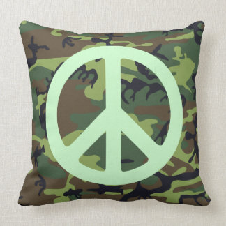 PEACE SIGN WITH GREEN CAMOUFLAGE Throw Pillow