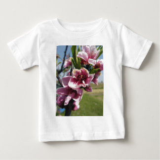 Peach tree branches with blossoms tee shirt