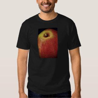 Pear (Close-up) Tshirts