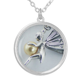 PEARL FAIRY ROUND PENDANT NECKLACE