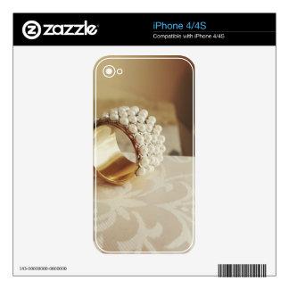 Pearl Ring iPhone 4 Skins