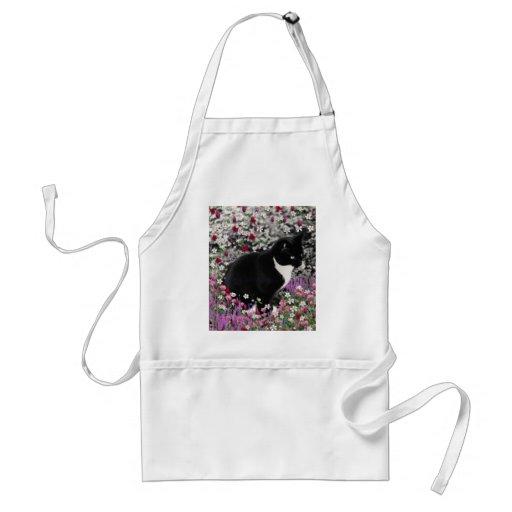 Pecas en flores II - gato del gatito de Tux Delantal
