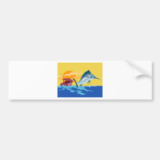 peces espadas que saltan con el barco de pesca pegatina de parachoque