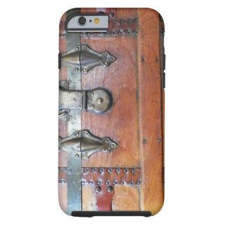 Pecho de madera del tronco con los cierres funda de iPhone 6 tough