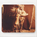 Pecho del hierro, indio del nativo americano de Pi Tapetes De Ratones