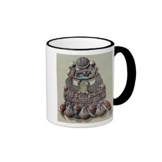 Pectoral with bird-scarab ringer mug