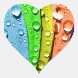 Pedales de la flor del arco iris pegatina en forma de corazón