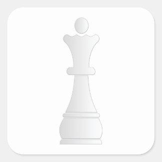 Pedazo de ajedrez blanco de la reina pegatina cuadrada