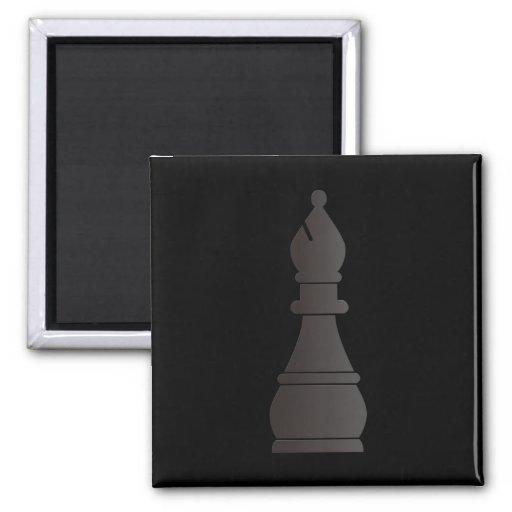 Pedazo de ajedrez negro del obispo imán cuadrado