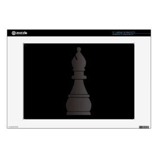 Pedazo de ajedrez negro del obispo skins para portátiles