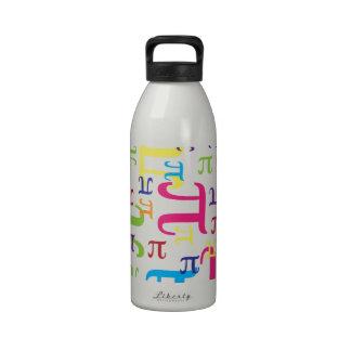 Pedazo del pi botella de agua reutilizable