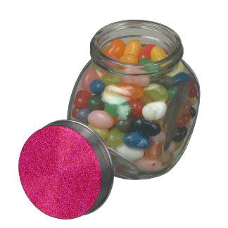 Pedazos brillantes de color rosa oscuro jarras de cristal