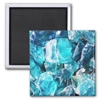 Pedazos cristalinos azules imán cuadrado