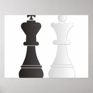 Pedazos de ajedrez blancos de la reina del rey póster