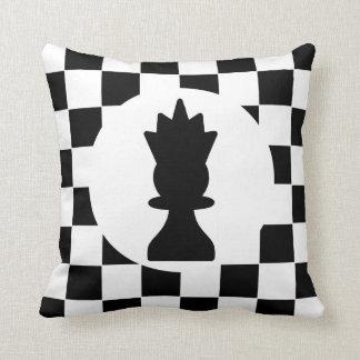 Pedazos de ajedrez del rey y de la reina - regalo cojín