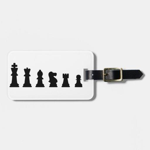 Pedazos de ajedrez negros en blanco etiqueta para equipaje