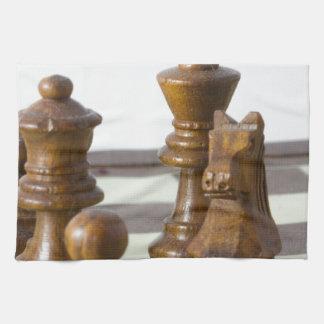 Pedazos de ajedrez negros toallas de mano