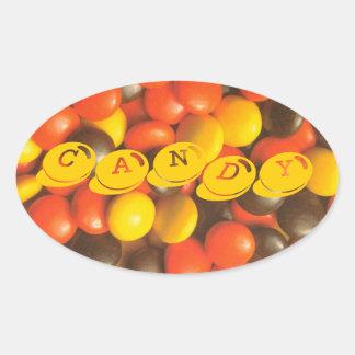Pedazos de caramelo en la etiqueta del pegatina de