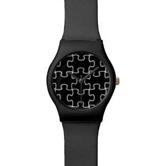 pedazos negros modernos del rompecabezas relojes de pulsera