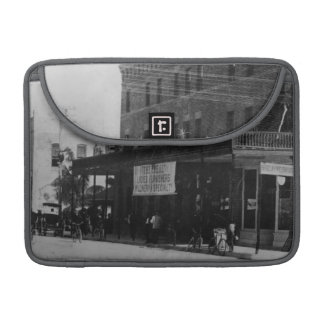 Pedestrians, cyclists, and horse-carriages MacBook pro sleeve