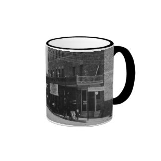 Pedestrians, cyclists, and horse-carriages ringer mug