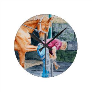 Pedicure del caballo reloj redondo mediano