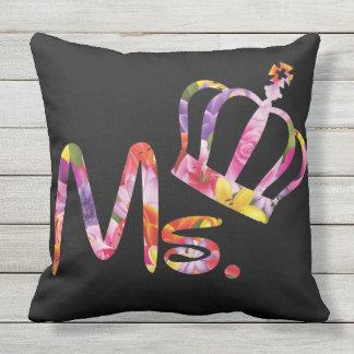 Peduncle fashion of Mr.&Ms katsupurukodetorendo Outdoor Pillow