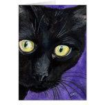 Peekaboo, gato negro en tarjeta de nota púrpura de