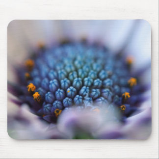 Peering in mouse pad