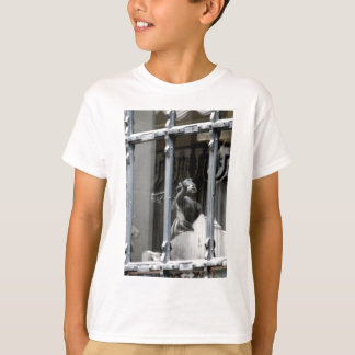 Peering Out T-Shirt