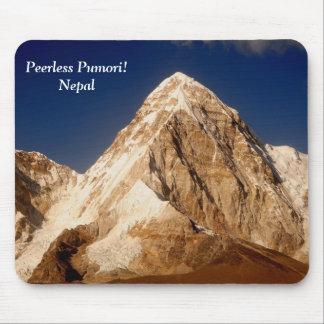 Peerless Pumori Mouse Pad
